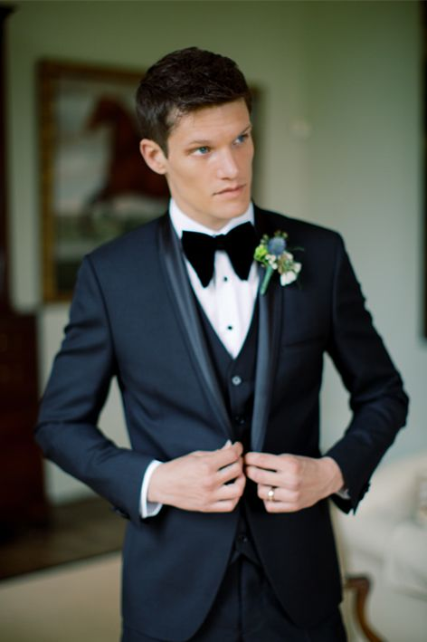 b97956bd6f80 ... about how you can do something a bit different to the rest. This guide  is a useful read on what to wear to a wedding and different suit styles for  men.
